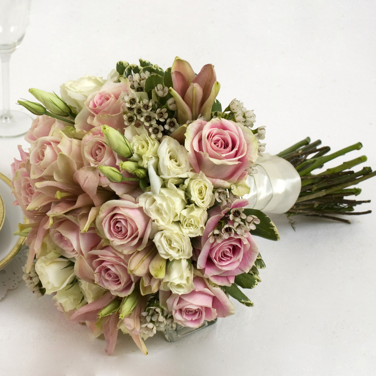 Basic Pink Yola Guz Wedding Flowers