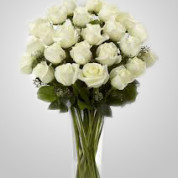 WD840 – 24 White Roses in Vase